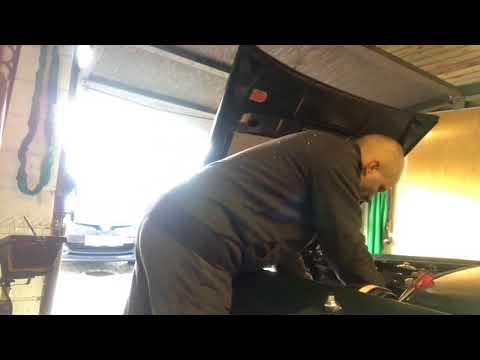 MotorrumsTV Jaguar XJ6 s2 cylinder head removal