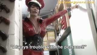 getlinkyoutube.com-Baronessa di Rivera and her XXL Strap-On Weapon