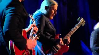 Joe Bonamassa, Dusty Hill, Derek Trucks and Billy Gibbons - Going Down (HD)