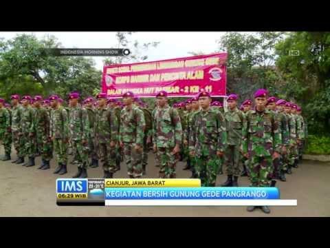 Prajurit Marinir dan Pencinta Alam Bersihkan Kawasan Gunung Gede Pangrango - IMS