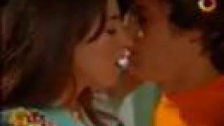 getlinkyoutube.com-Floricienta - Franco enfermo besa a Flor