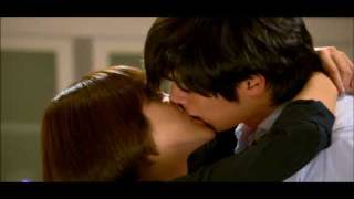 getlinkyoutube.com-Hyun Bin & Song Hye Kyo KISS KISS