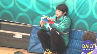getlinkyoutube.com-120108 beast Yoseob - Idol Star Athletics ChampionshipsT_T