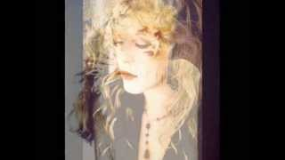 Stevie Nicks-Free Fallin width=