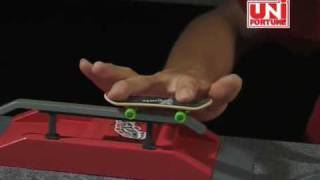 getlinkyoutube.com-Stuntz X Finger Skateboard Introduction