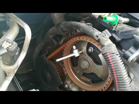 3. 1.6 HDI замена ГРМ - первая прблема, снятие скобы подушки двигателя, крышек защиты и шкива