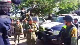 Policía Federal y militares se enfrentan por víveres en Oaxaca