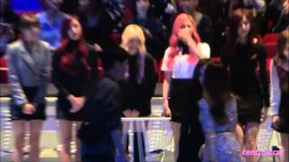 getlinkyoutube.com-[FANCAM] 151202 Mama2015 behind the scene 01 Twice+Tiffany+Seohyun