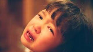 getlinkyoutube.com-【感動】「ママ、今日出かけないで」パートの直前に突然大泣きする7歳の娘。家を出れずにいると、信じられないニュースがTVに…