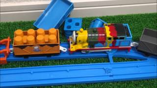 getlinkyoutube.com-Thomas&Friends!!プラレールトーマスがじこでペンキトーマスに!じこはおこるさ!To Thomas paint Thomas!! Accidents Will Happen!!