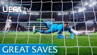 getlinkyoutube.com-Buffon, Lloris, Schmeichel - 10 great Champions League saves