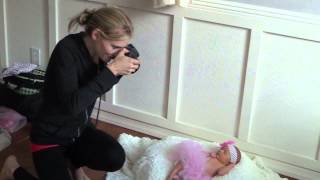 getlinkyoutube.com-Behind the Scenes Photographing a Newborn Photo Shoot