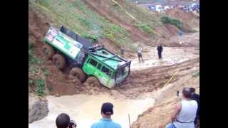 getlinkyoutube.com-Truck trial Tatra 813 8x8 Extreme downhill! Mud Offroad - part 2