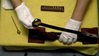 getlinkyoutube.com-日本刀で紙を切ってみたシリーズ「行久」と銘が入った脇差、