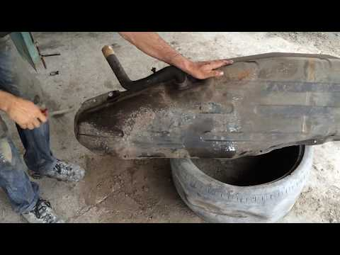 Ревизия топливного бака на Паджеро 4 - Чистка от грязи