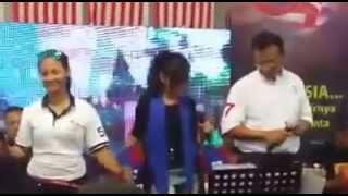 getlinkyoutube.com-PAHLAWANKU - Dato Sri Ahmad Shabery Cheek  feat Farah PENTARAMA