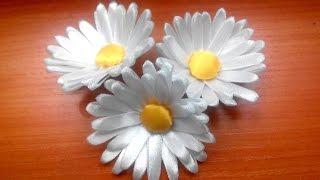 getlinkyoutube.com-Kanzashi. Daisy of satin ribbons / Канзаши. Ромашка из атласных лент