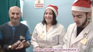 CARIATI 24/12/2011 i giovani dell'AVO nelle corsie dell'ospedale
