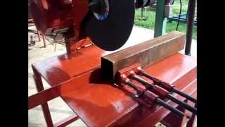 getlinkyoutube.com-Cortando perfiles de acero