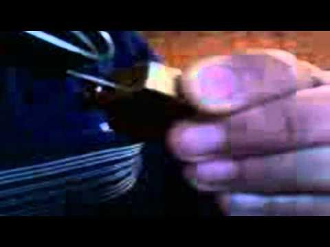 abrindo um cadeado com um garfo