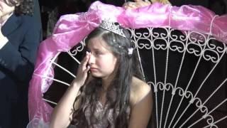 getlinkyoutube.com-Madre canta a Quinceañera y hace llorar a todos
