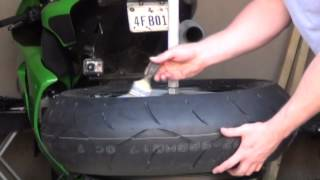 getlinkyoutube.com-Using a mojolever and home made bead breaker/tire change table with sportbike tires
