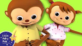 getlinkyoutube.com-Getting Dressed Song | UK Version | Nursery Rhymes by LittleBabyBum!