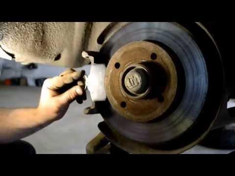 Замена задних тормозных колодок Peugeot 308 Replacing the rear brake shoes Peugeot 308
