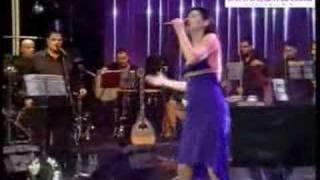 Funda Arar Haram Geceler şarkısı mp3 dinle