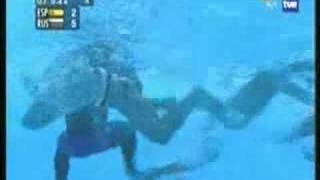 getlinkyoutube.com-Waterpolo fights elcuervowp II