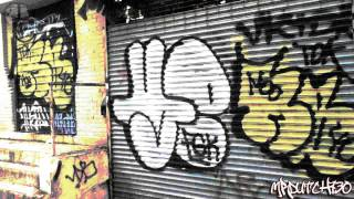 Graffiti Throw ups - Bronx NYC - 2014