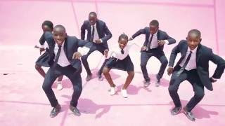 getlinkyoutube.com-Ghetto Kids dancing StyleZo(Kadondo) by Eddy Kenzo