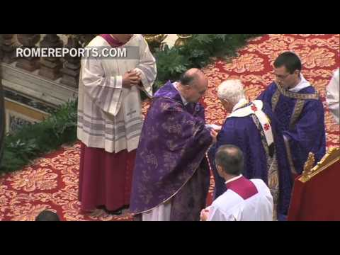 Benedict XVI receives ashes during his last ceremony at St  Peter's Basilica