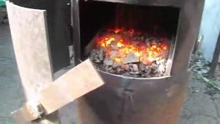 """getlinkyoutube.com-Автоматическая печь """"Буржуйка"""""""
