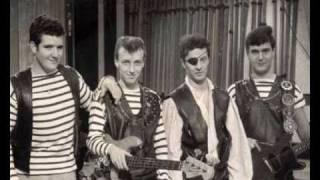 getlinkyoutube.com-Johnny Kidd & The Pirates - Restless - 1960 45rpm