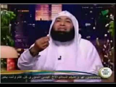 محمود المصري مع احد مشاهير الغناء