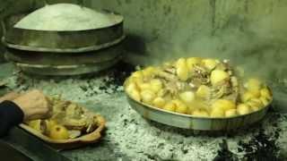 getlinkyoutube.com-SPECIJALITET KUĆE - Restoran Pod Volat -  Jagnjetina ispod sača i baklava