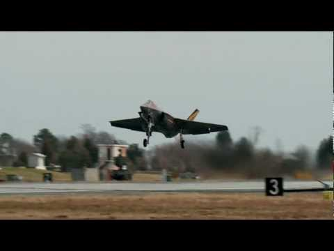 F-35C High Speed Fly-by