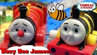 "getlinkyoutube.com-Thomas and friends ""Busy Bee Accident"" トーマス プラレール ガチャガチャ はたらきバチジェームス"