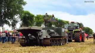 getlinkyoutube.com-CLAAS XERION 5000 vs. VT-34 Bergepanzer pulling
