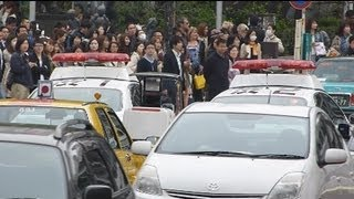 getlinkyoutube.com-キレぎみパトカー客待ちタクシーを排除Police car eliminate the taxi waiting for passengers.