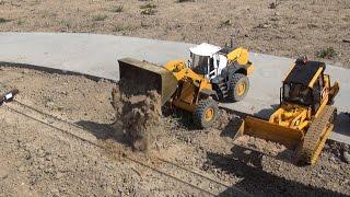 getlinkyoutube.com-rc construction site at daylight building a narrow gauge railroad