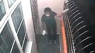 getlinkyoutube.com-Aksi pencurian gagal yang bikin ngakak