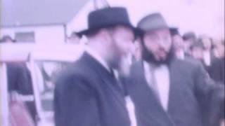getlinkyoutube.com-Lubavitcher Rebbe visits Camp Gan Yisroel in 1960