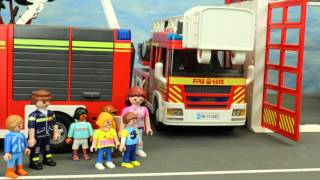 getlinkyoutube.com-Kita Ausflug zur Feuerwehr Playmobil Film seratus1 deutsch stop motion