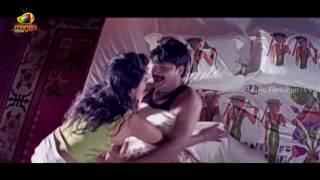 getlinkyoutube.com-Ramya Krishna Romancing Srikanth | Latest Telugu Romantic Videos | Telugu Best Romantic Videos