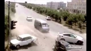getlinkyoutube.com-2013: WORLDWIDE Worst Car Crashes Caught on video!!!