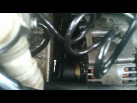 Где находятся в Рено Megane 3 маслосъемные колпачки