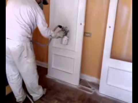 Pintura laqueada em portas de madeira
