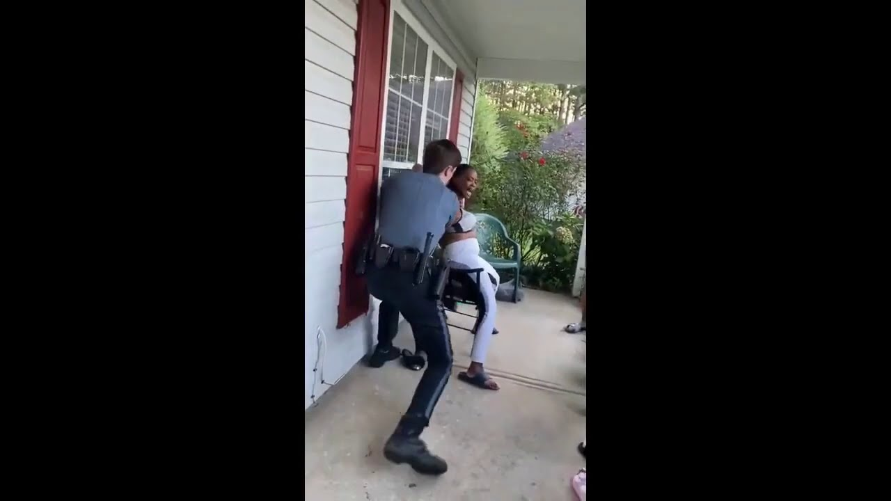 """Woman Tasered by Officer For """"Interrupting Him"""""""